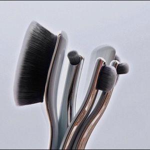 ARTIS Digit 5 Makeup Brush Set in Luxury Case